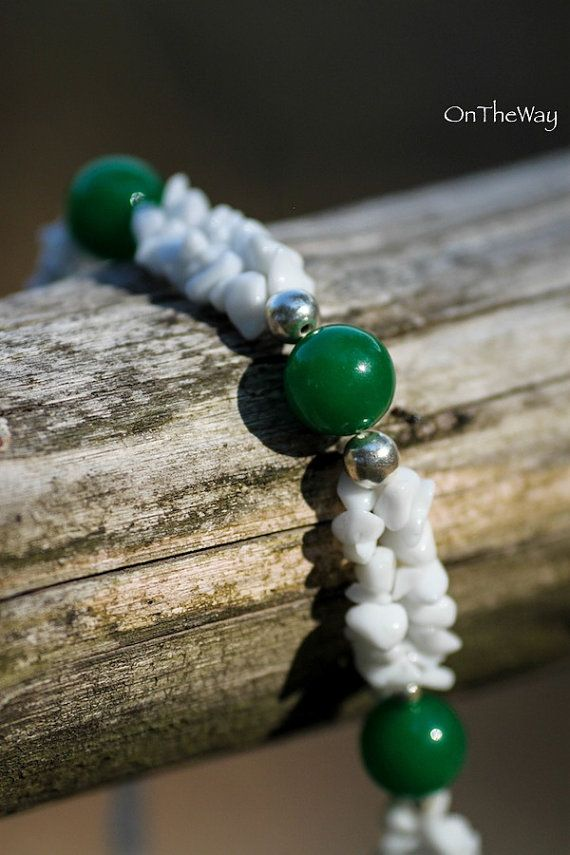 Green Agate and irregular White Quartz chip necklace by LanguWorld