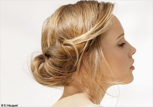 lovely chignon: Hair Ideas, Up Dos, Wedding Hair, Bridesmaid Hair, Messy Buns, Hairstyle, Hair Style, Updo, Low Buns