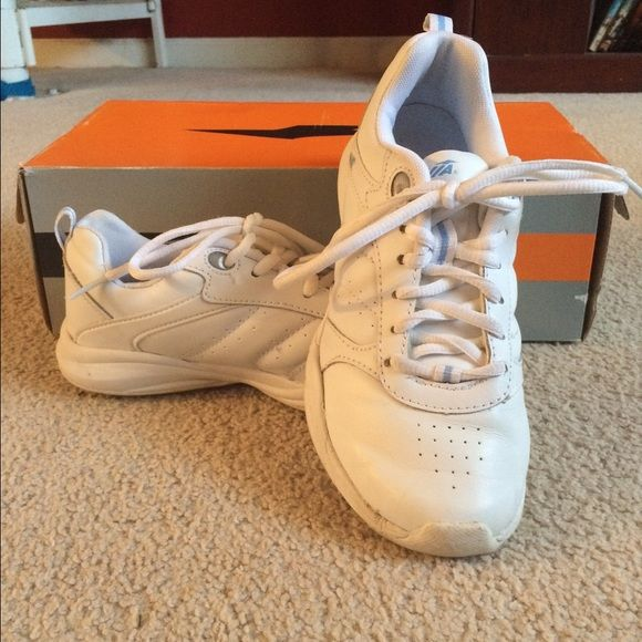 Solid White Nursing Shoes Solid white nursing shoes. Size 6. Avia brand. Only worn a few times. Smoke free home. Fast shipping. Discounts on bundles. Avia Shoes Sneakers