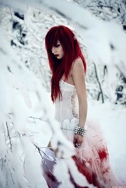 Google Image Result for http://favim.com/orig/201107/28/blood-nature-red-hair-redhead-snow-Favim.com-115538.jpg