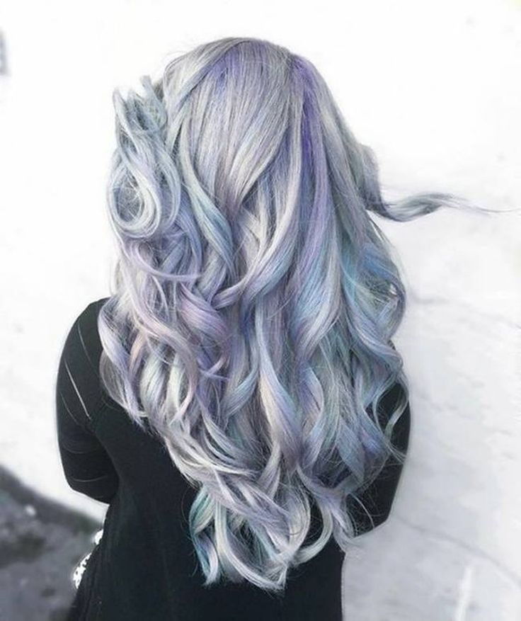 Holographic hair explained. How to do it? What is it? – the hottest new soft pastel metallic holo hair color trend - grey silver, blue, purple | CircleTrest