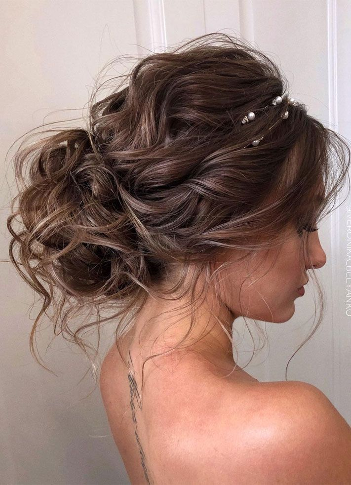 44 Messy Updo Hairstyles The Most Romantic Updo To Get An Elegant Look Messy Hair Updo Long Hair Styles Hair Styles