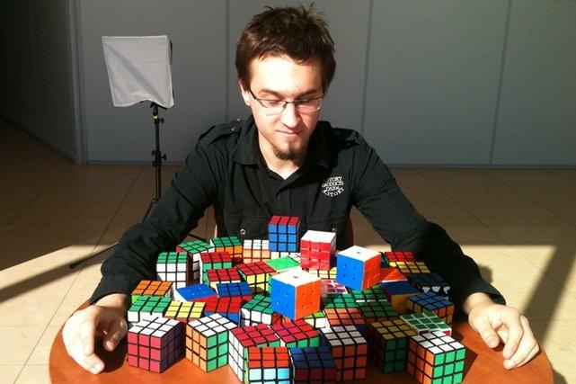 Mistrz świata w układaniu kostki Rubika