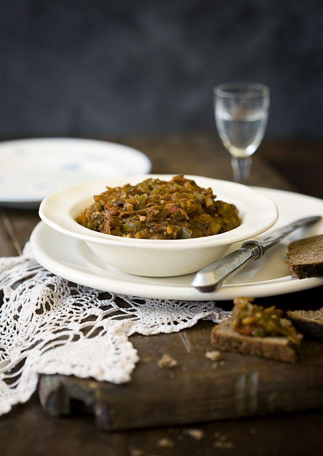 recipe: baklazhannaya ikra russian eggplant caviar [26]