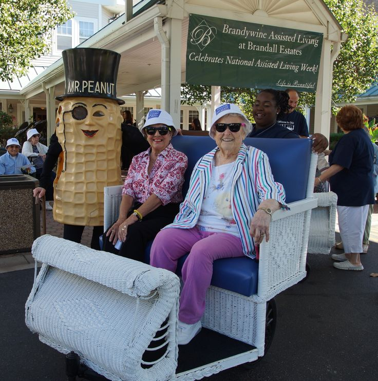 Residents at our Brandall Estates community enjoyed taking a ride in Atlantic City Carts!