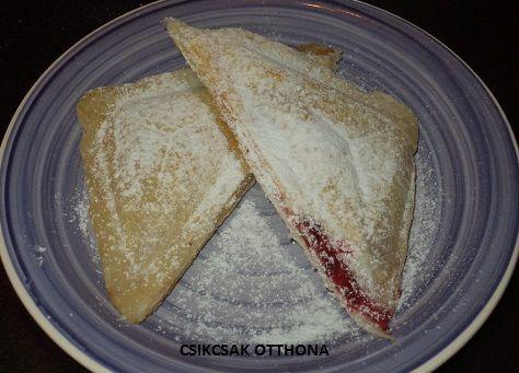 Forró almás és meggyes táska - melegszendvics sütőben sütve - MindenegybenBlog