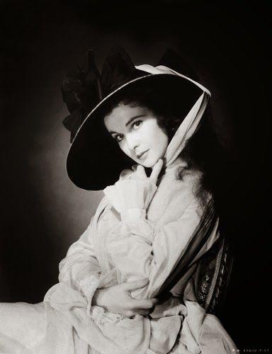 "Vintage Glamour Girls: Vivien Leigh in "" Lady Hamilton """