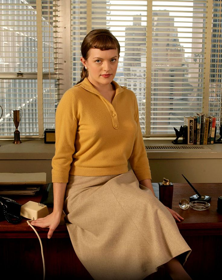 """Elisabeth Moss (as """"Peggy"""" Olson) in """"Mad Men"""" (TV Series)"""