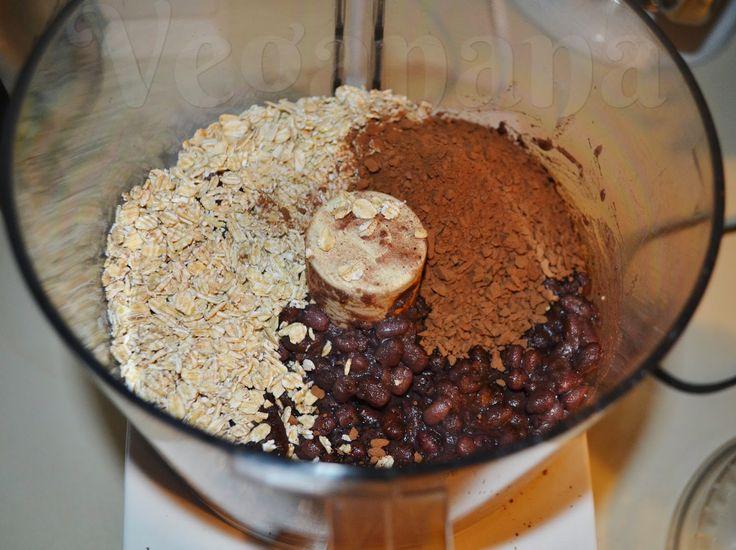 Brownie de Feijão Preto com Aveia e Nozes | Veganana