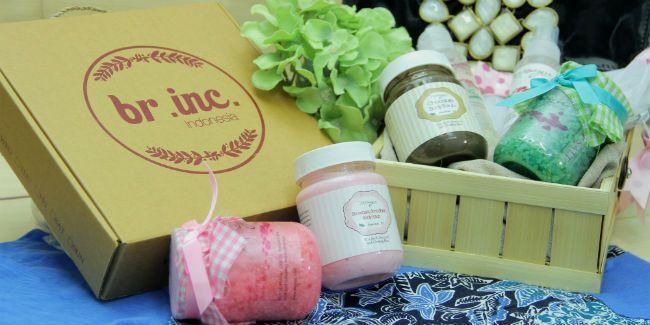 Vemale.com - Bagikan cerita Anda tentang teh nusantara yang sudah Anda coba dan dapatkan hadiah menarik dari�Moayu, Tas For Style dan Br.Inc.�