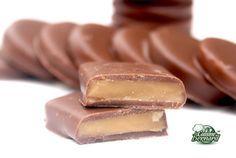 """Les """"Daims"""" Maison -180g de sucre -150g de beurre doux -1 cuillerée à café de sel -200g de chocolat au lait tempéré (recette ICI) pour moi: Ghana de Cacao Barry"""