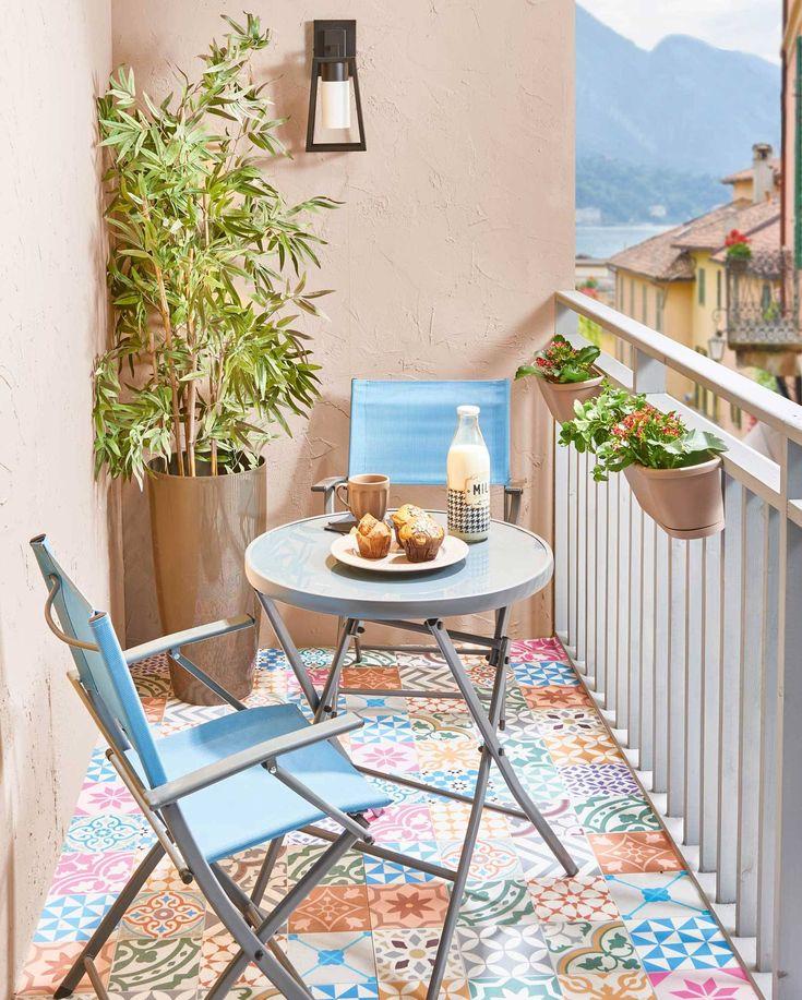 Muebles para terrazas y balcones pequeños que encontrarás en Leroy Merlin Small Balcony Design, Tiny Balcony, Small Balcony Decor, Balcony Ideas, Balcony Chairs, Bedroom Balcony, Balcony Furniture, Small Porch Decorating, Apartment Balcony Decorating