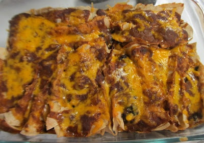 ... Dinner... Healthy & Low Calorie: Vegetable Enchiladas with Chile Gravy