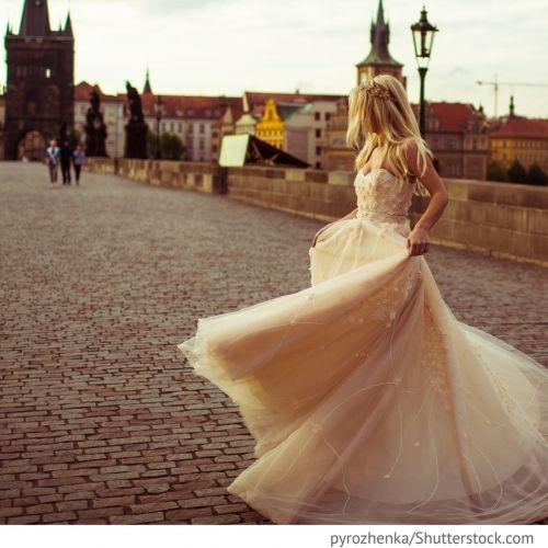 Jagd auf die Braut Hier gibt es noch ein schönes Ritual für den Brautkauf.