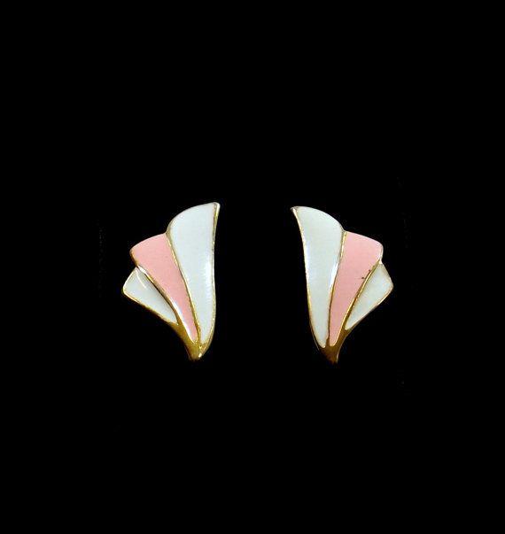 Orecchini Post smalto rosa e bianco di KatsCache su Etsy