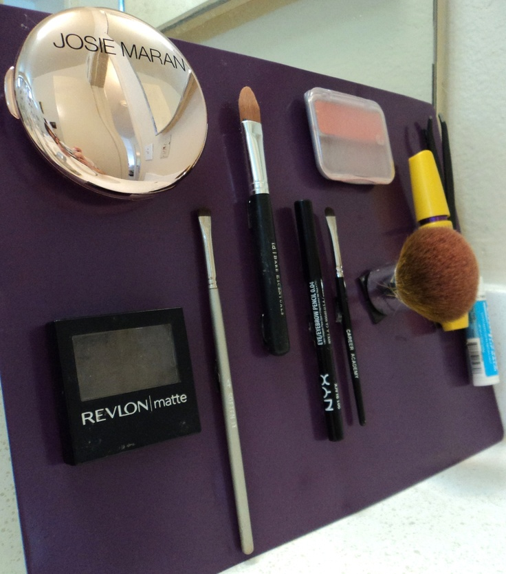 Queen of the Jumble, organized magnetic makeup: Queen