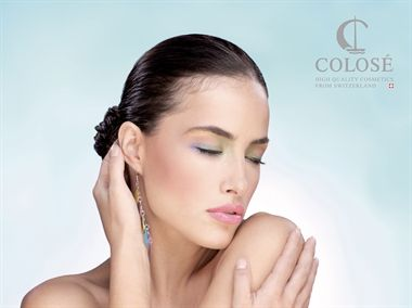 Mineral make-up fra Colosé baseret på naturlig ingrediesner og helt uden allergifremkaldene stoffer.