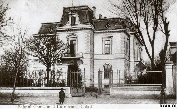 """Palatul Comisiunei Europene viitorul sediu al Bibliotecii """"V.A. Urechia"""", Galati, Romania, anul 1914, http://stone.bvau.ro:8282/greenstone/collect/fotograf/index/assoc/J475951.dir/475951.jpg.  Imagine din colecţiile Bibliotecii Judeţene """"V.A. Urechia"""" Galaţi."""