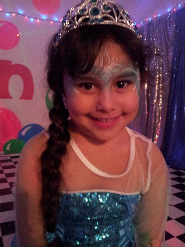 Happy Birthday to Tamara, the gorgeous ice queen :) Tamara had a private 2 hour party for her 5th birthday, and it was frozen themed! How awesome!