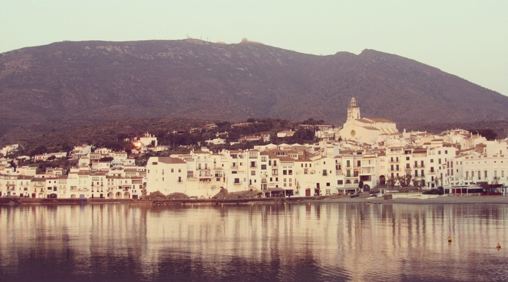 amazing...: Strike Photo, Exclusively Spain, Spain Artists, Cadaqu Town, Little Town, Cadaques Town, Beautiful Cadaques