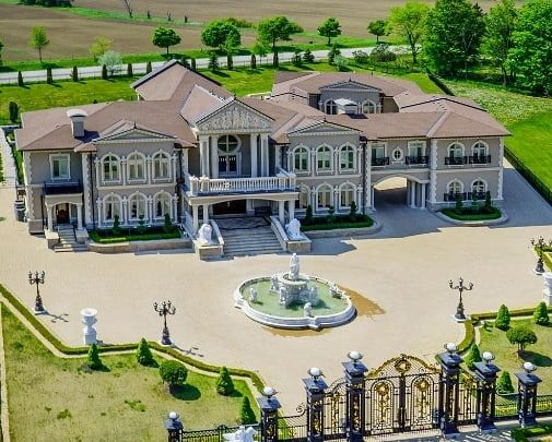 Lavish gated mansion 🌍 90 Rocmary Place, Vaughan, Ontario, Canada