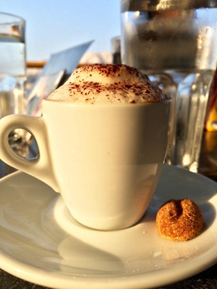 Kávé barna kávébab formájú Figurina cukorral Coffee with brown coffee beans formed Figurina sugar