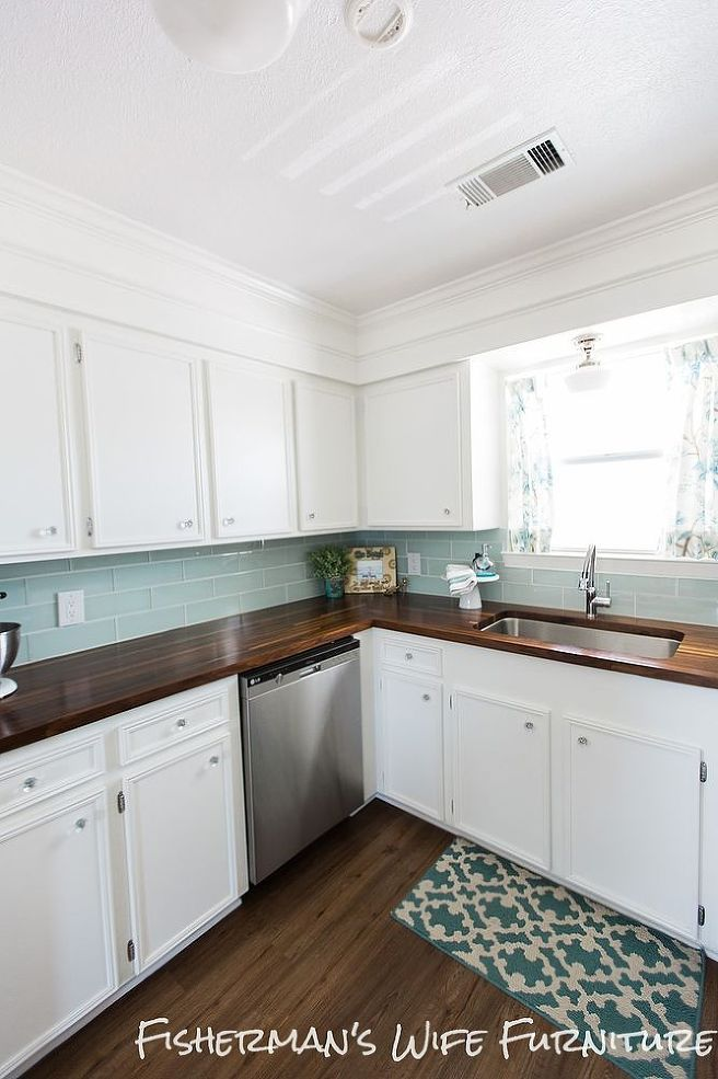 Hometalk :: DIY Coastal Kitchen Makeover Wood Countertop!