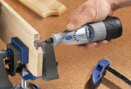 Using the Dremel 7700 Rotary Tool to sand some wood http://rotarytoolsguide.com/dremel-7700-cordless-rotary-tool-review/