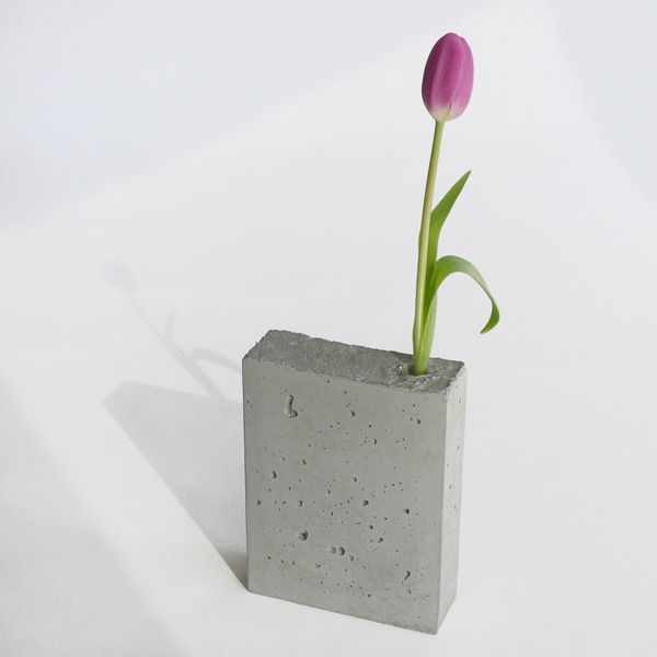 Vasen - Vase geblümt, Beton - ein Designerstück von upf-MOEBEL bei DaWanda
