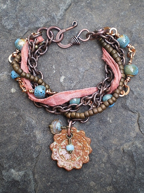 Chinook Designs focal: Focal Bracelets, Chinook Design, Beads Soups, Strands Bracelets, Ribbons, Focal Jewelry By The Junqueri, Necklaces Design, Bracelets Inspiration, Design Focal