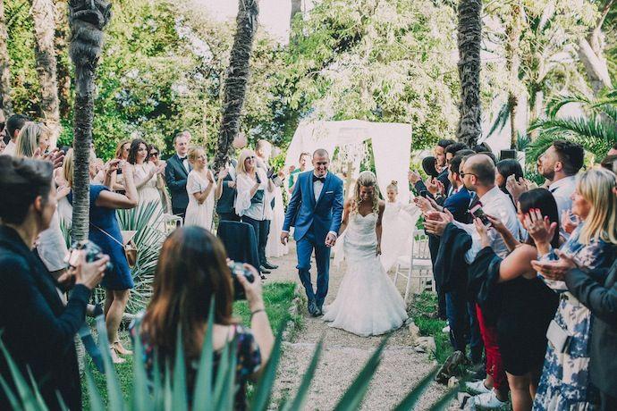On a coutume de dire qu'il n'existe pas de trame type pour une cérémonie laïque. En revanche, il existe bien des temps forts : entrée des mariés, explications du maître de cérémonie, témoignages, rituels...