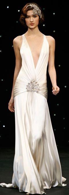 Gorgeous gatsby wedding gown http://roxyheartvintage.com