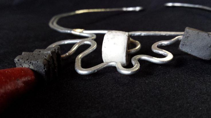 Ceramic Raku jewels by Fosca Rovelli - www.foscarovelli.ch