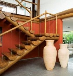 escada de madeira para sobrado rustica
