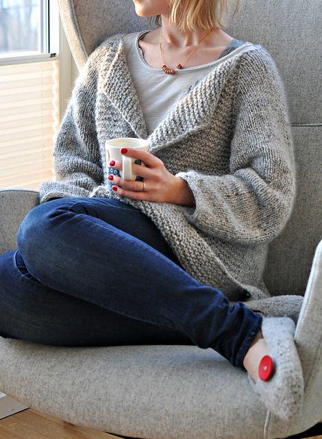 Ravelry: Gurolaga's Fall coat * Confortável e cinzento como eu gosto * Ideal para tricotar no nosso Amélia misturado com Kidsilk Haze