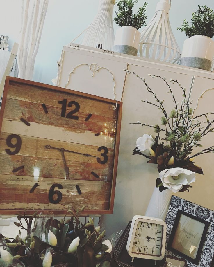 #statement #clock #white #flowers #gifts #homedecor #quinceyjac
