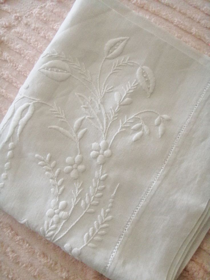 embroidered linen ~ tablescape