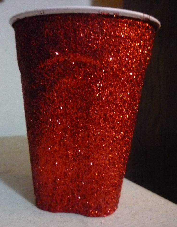 put glitter on solo cups!