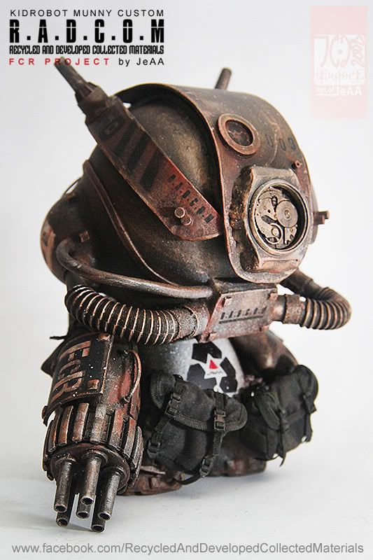 SpankyStokes.com | Vinyl Toys, Art, Culture, & Everything Inbetween: JeAA's custom Munny R.A.D.C.O.M. Robot is Radical!...