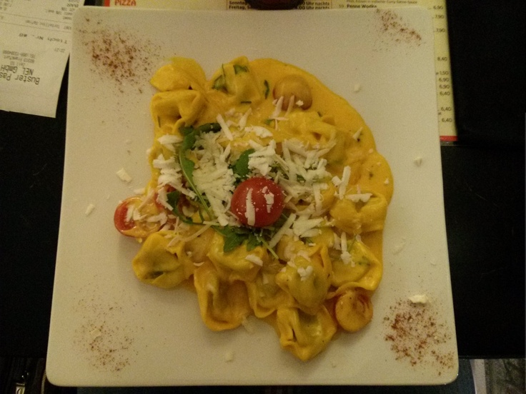 Gnocchi in Saffron-Cream-Sauce (Rocket, Cherry Tomatoes, Parmesan Cheese) at Buster Pasta, Frankfurt