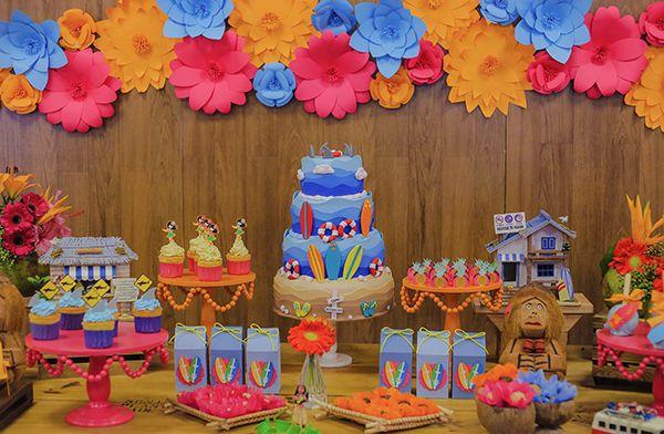 Festinha com decoração havaiana