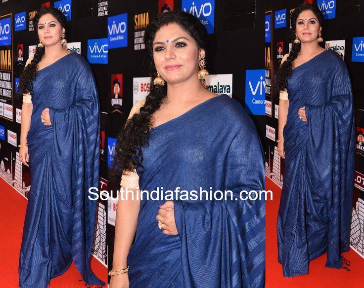 Asha Sarath in a blue saree at the Siima Awards