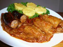 Recipe: The national dish of Romania - Sarmale cu mamaliga si carnati