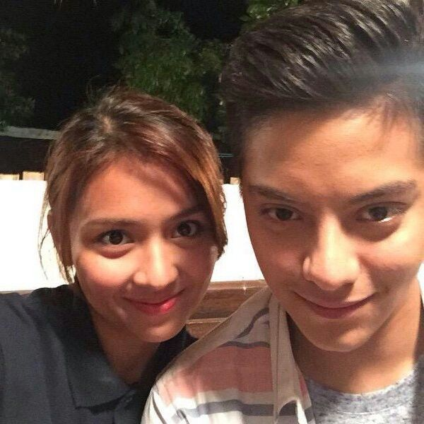 This is the pretty Kathryn Bernardo and the handsome Daniel Padilla imitating each other's smile while preparing for a taping of their remake telenovela Pangako Sa 'Yo. Indeed, KathNiel is my favourite Kapamilya love team. #KathrynBernardo #TeenQueen #DanielPadilla #KathNiel #KathNielBernaDilla #PangakoSaYo