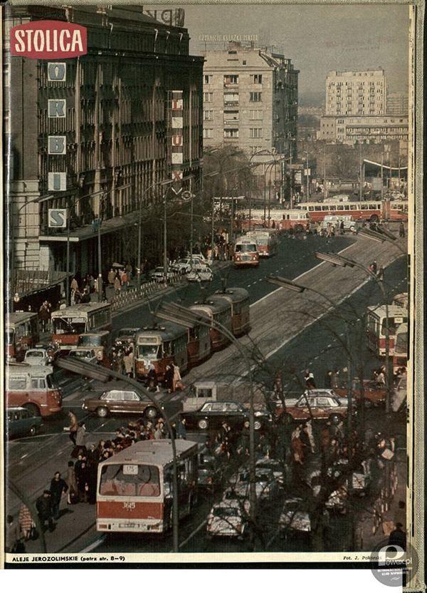 """Magazyn """"Stolica"""" – Tygodnik ilustrowany założony w 1946 w Warszawie, zajmujący się tematyką warszawską"""
