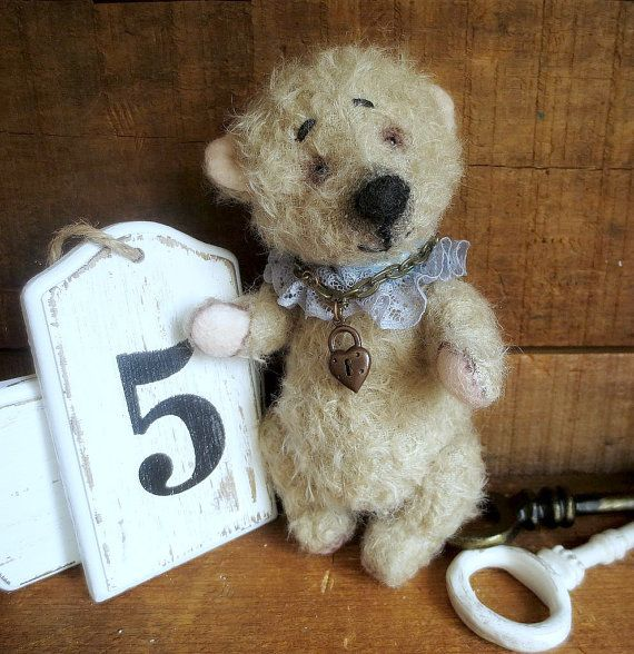 Artist Mohair Soft Teddy Bear Robby  8.5 Collectible by ReTeTeer