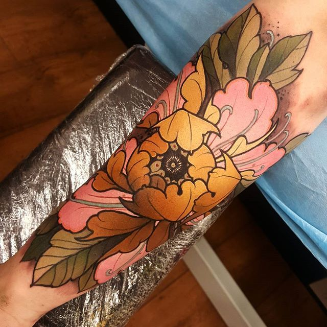 Today's golden peony. Thanks paul it was a pleasure! #tattoo #tattoos…
