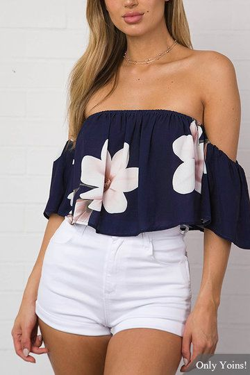 The floral print crop top is a fresh find for summer! The style features an off the shoulder neckline, elastic neckline, short sleeves and regular fitted shape. #Vacation style #Floral print # Off the shoulder # Elatic neckline # Short sleeves #Crop length #Regular fit