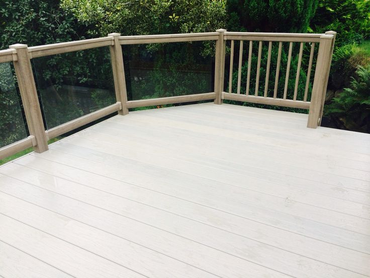 Fensys premium excel tawny deck board is 100% polymer and will not rot or decay. The board has a slip resistant finish and uses multi colour technology to enhance its natural appearance.
