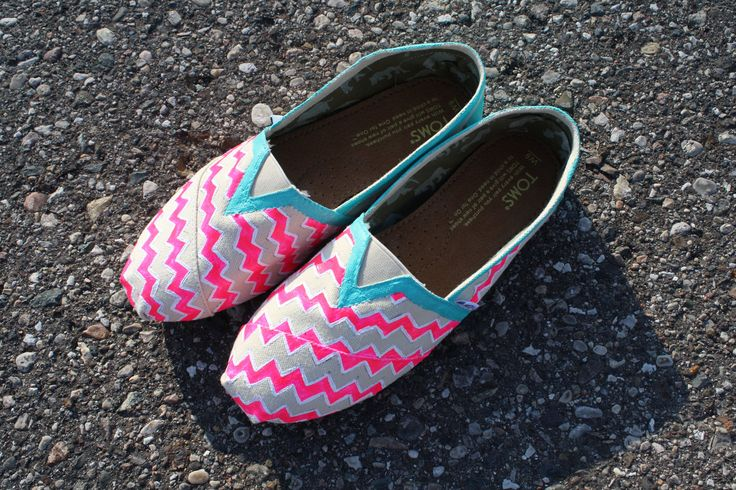 I'm going to make these! Custom painted Chevron Toms. $100.00, via Etsy.